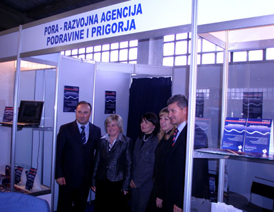 otpredsjednik Vlade RH i ministar gospodarstva, rada i poduzetništva, ravnateljica Uprave za malo gospodarstvo i gradonačelnik grada Križevaca također su posjetili izlagački prostor PORE